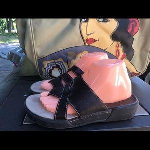 High Sierra Women's Leather Slip On Slides Sandals